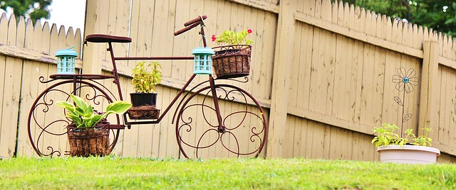 Soportes para plantas y maceta en forma de bicicleta